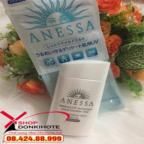 Kem chống nắng Anessa Nhật màu bạc dễ dàng rửa sạch bằng sữa rửa mặt
