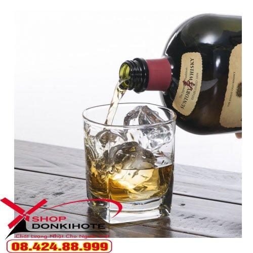 Rượu Suntory Old Whisky 700ml mẫu mới năm 2020 giá bao nhiêu